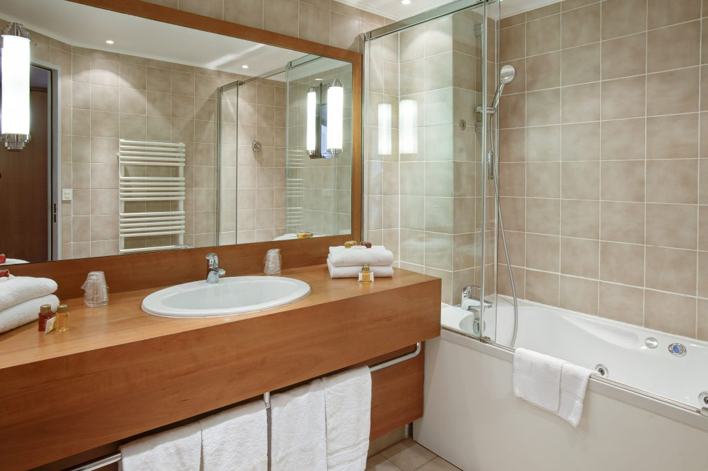Bathroom Tile, Bath Tubs and Showers